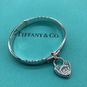 Tiffany & Co. RTT Love Lock Hinged Bangle